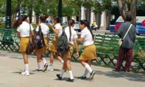 School girls in Cienfuegos.