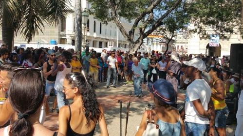 Saturday improv dance in Havana.